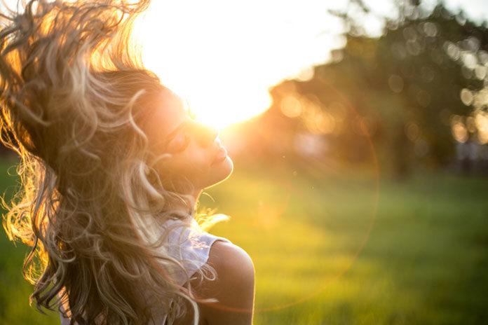 Wypadanie włosów – jak przeciwdziałać?