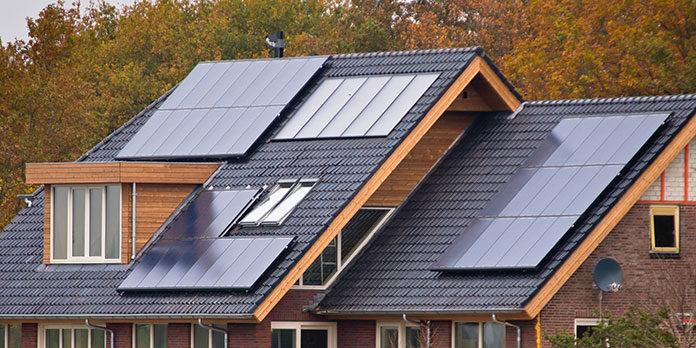 Dlaczego warto inwestować w panele słoneczne?