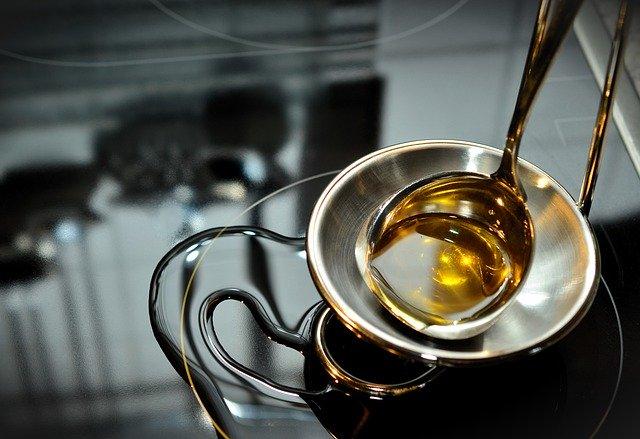 olej z czarnuszki - czy jest zdrowy?